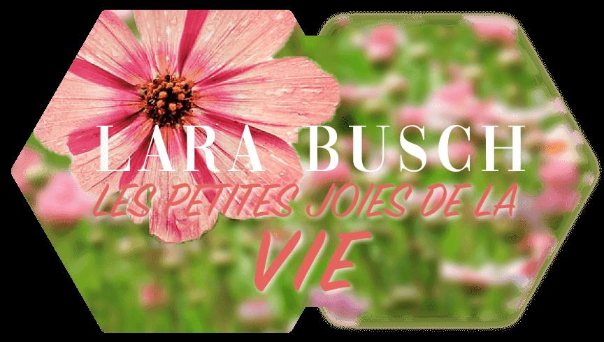 Logo Lara Busch Blumenfoto im Hintergrund
